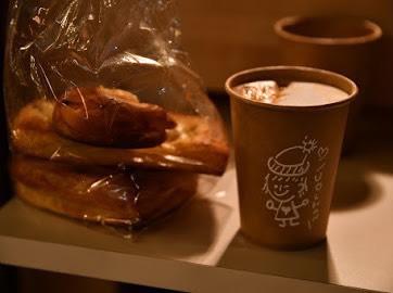 yuricafeの料理、食べ物、パン、ドリンク